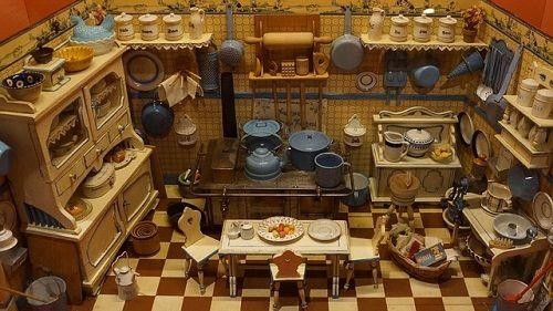 an-old-dollhouse