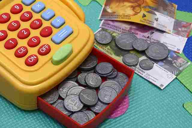 toy-cash-register-2922214