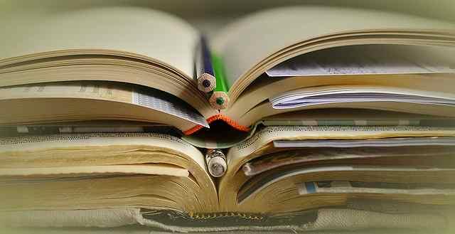books-2158773